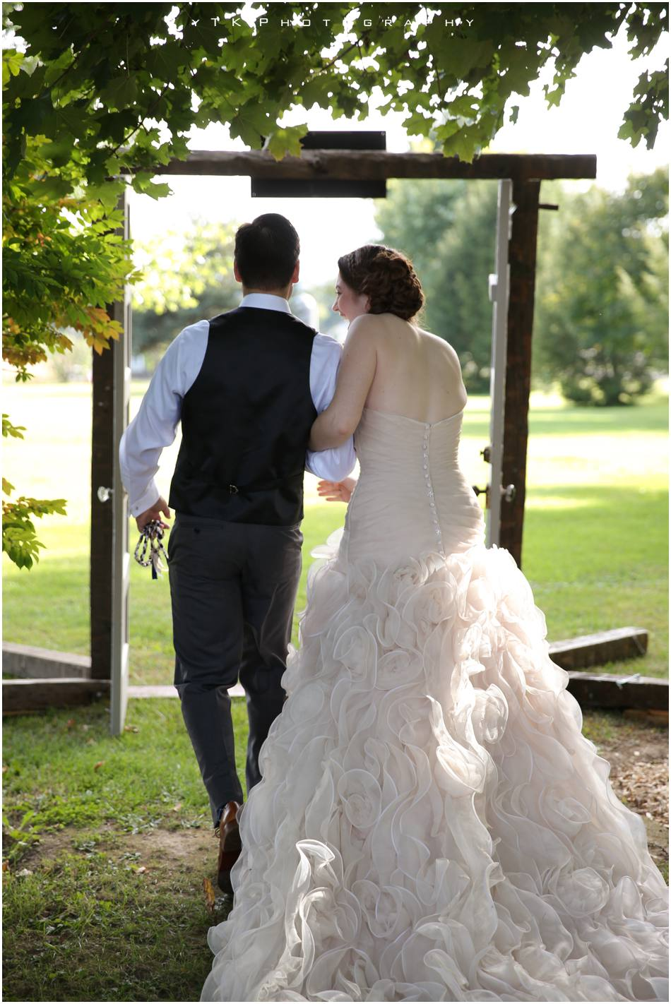 Olde_Tater_Barn_Wedding_031
